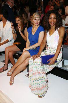 Pin for Later: Die Stars machen Berlin zum Mode-Mekka bei der Fashion Week Ruth Moschner und Annabelle Mandeng bei der Schau von Riani