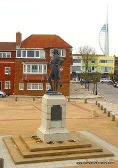Nelson's statue in Old Portsmouth Hampshire Portsmouth England, Local Attractions, Isle Of Wight, Beautiful Architecture, Southampton, Hampshire, Where To Go, Brighton, Statue Of Liberty