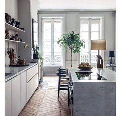 Klanderfritt kök. Se hela hemmet i @rumhemma nr 2! Foto: Felix Forest