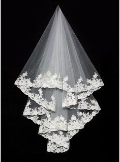 One-tier Lace Applique Edge Cathedral Bridal Veils With Applique (006089552)