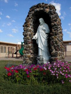 Miles City, Montana. Sacred Heart of Jesus statue