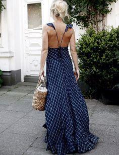 Oui aux longues robes empreintes de légèreté... (photo Jessie Bush)