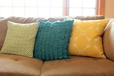 Stenciled-Pillow-on-Couch