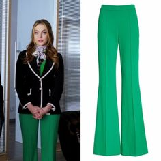 """Dynasty Closet : Fallon Carrington wears these Alice + Olivia """"Jalisa"""" high-waisted green trousers Dynasty Fashion Face, Work Fashion, Fashion 2017, Fashion Outfits, Classy Outfits, Cute Outfits, Queen Liz, Pin Up, Flare Leg Pants"""