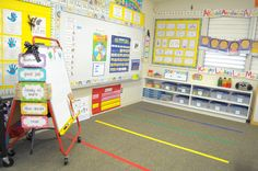 KINDERGARTEN SET-UP: Love everything about this website, AND the set-up of her room (it is a nice, big room though - not everyone has this!)