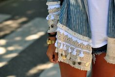 Inspiration | Adding different neutral trimmings to jacket edge | Marie-claire.es