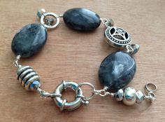 Black labradorite chunky stone bracelet, Larvikite large bead grey flash stone bracelet, black stone bracelet, everyday bracelet