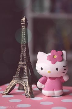<3hello kitty and eiffel tower<3