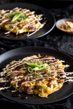 Okonomiyaki Recipe - homemade okonomiyaki - Japanese Savoury Pancakes perfect for a quick and easy dinner or snack. Vegetarian Recipes, Bento Recipes, Savoury Pancake Recipe, Savory Pancakes, Japanese Dishes, Japanese Food, Japanese Recipes, Gourmet, Asian Food Recipes
