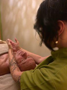#dachsteinkönig #gesichtsbehandlungen #beauty #entspannung #massage #relax #spa Massage, Spa, Relax, Top, Hotels For Kids, Childcare, Family Vacations, Keep Calm, Massage Therapy