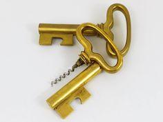 Big Carl Auböck Extra Large Brass Key Cork Screw, Bottle Opener, Austria, 1950s 4