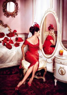 "Celeb Diary: Penelope Cruz in calendarul Campari 2013 ""Kiss Superstition Goodbye"""