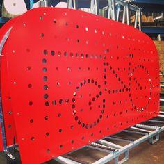 Coming soon! De cargo bike boxx van Velo-Boxx. #veloboxx #bicycle #cargobike #cargobikebox #bikestorage #red