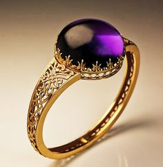 A Victorian 19th Century Amethyst and gold Bangle Bracelet. ca. 1850 <3
