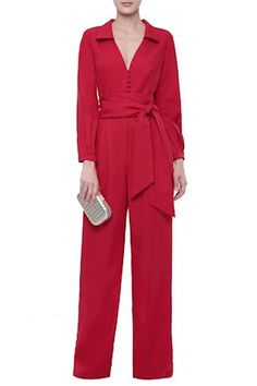 Macacão Crepe Pantalona Red Skirt Outfits, New Outfits, Stylish Outfits, Fashion Pants, Women's Fashion Dresses, Clothes Shelves, Prom Dresses Long With Sleeves, Jumpsuit Outfit, Mademoiselle