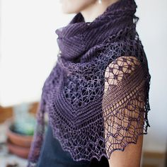 Rock Island is a beautiful shawl with a stunning, delicate lace design. Knit in either a lace- or fingering-weight yarn,...
