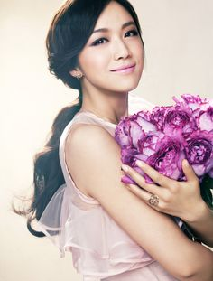 Chinese Actress Tang Wei 湯唯 Blooming for Piaget Rose
