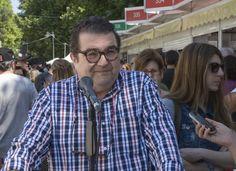 6/06/15. EL MICRO DE LA FERIA: Manuel Rodríguez Rivero, editor y comentarista cultural. Foto © Jorge Aparicio/ FLM15