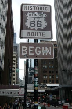 Route Chicago where it all begins. Read more at Route 66 road trip guide. Chicago - Santa Monica: 4000 km. Route 66 Usa, Old Route 66, Route 66 Road Trip, Historic Route 66, Travel Route, Road Trip Usa, Travel Tips, Travel Ideas, Driving Route 66