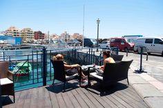 Bares y cafeterías en nuestra marina para el ocio y disfrute.  A lovely place to relax in Marina del Sur Tenerife