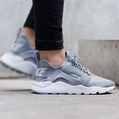 Nike Air Huarache 8.5 Gray. No imperfections. Great for summer. Nike Shoes Athletic Shoes