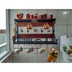 Porta Prato / Paneleiro 0,75 de ferro com prateleira de madeira - 3304 - https://www.artemoveisrusticos.com.br/ #arte #móveis #rústicos