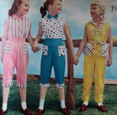 Cute vintage and retro girls dresses and boys shirts to match mom and dad. childrens clothing, kids clothes and vintage clothing history. Vintage Kids Fashion, Vintage Kids Clothes, Vintage Children, Vintage Clothing, 1950s Outfits, Outfits For Teens, Vintage Outfits, School Outfits, Casual Outfits