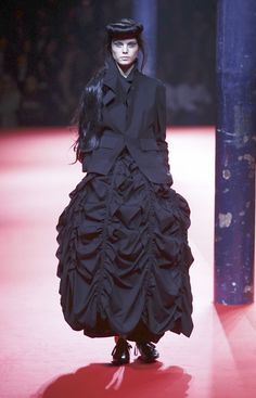 Ornate but tailored mourning clothes. Hm?  Yohji Yamamoto Spring 2008 Ready to Wear