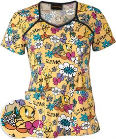Another one of mine! Cute Nursing Scrubs, Cute Scrubs, Pediatric Scrubs, Scrubs Uniform, Kids Outfits, Cute Outfits, Nurse Costume, Medical Scrubs, Scrub Tops