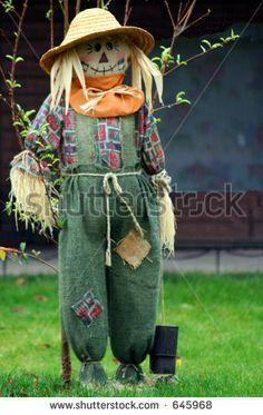 Стоковые фотографии и изображения пугало огородное | Shutterstock