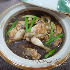 Let's get Wokking!: Frog Leg with Ginger and Scallion 姜葱田鸡脚 | Singapore Food Blog on easy recipes
