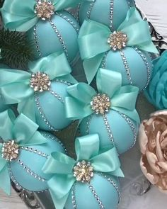 Diy christmas ornaments 713257659719721748 - Christmas ornaments set Tiffany christmas ornament Turquoise christmas ornaments Tiffany christmas Blue Christmas ornament handmade Source by staywithann Christmas Ornament Sets, Christmas Baubles, Diy Christmas Ornaments, Homemade Christmas, Christmas Projects, Christmas Wreaths, Christmas Crafts, Christmas Mantels, Christmas Villages