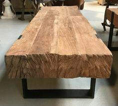 A imagem pode conter: mesa e área interna Tree Furniture, Metal Furniture, Home Decor Furniture, Rustic Furniture, Furniture Design, Wood Slab Table, Wood Table Design, Classic Furniture, Living Room Decor