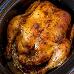 Slow Cooker Rotisserie Chicken with just a few spices and in the slow cooker with CRISPY skin without a second spent in the oven! Better than store bought! Crock Pot Recipes, Crockpot Dessert Recipes, Cooking Recipes, Diet Recipes, Pan Cooking, Baby Recipes, Cooking Rice, Crockpot Meals, Healthy Recipes
