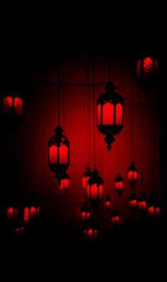 Red and black light lanterns I See Red, Plakat Design, Arte Obscura, Bedroom Red, Light Bedroom, Bedroom Colors, Bedroom Ideas, Bedroom Decor, Red Rooms