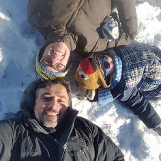 Simply together...  Semplicemente insieme... È da Natale che il piccoletto chiede di andare a giocare con la neve e così ieri siamo andati a cercarla sulle montagne vicino a casa. Perché a volte basta poco un pupazzo di neve e una slittata con bob per essere felici.
