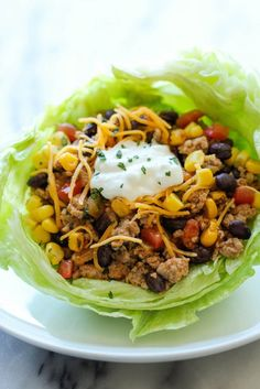 14 Lettuce Wrap Recipes You Need in Your Lunch Rotation - Taco Lettuce Wraps. Taco Lettuce Wraps, Lettuce Wrap Recipes, Taco Wraps, Lettuce Wraps Ground Beef, Healthy Lettuce Wraps, Ground Chicken Tacos, Lettuce Cups, Menu Leger, Healthy Snacks
