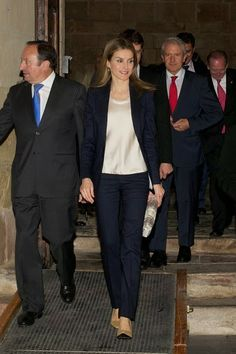 "Princess Letizia attended a seminar on language and communication in the media, which was held in La Rioja. The theme this year was ""Spanish future in journalism today."""
