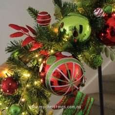 One of the tips we are asked for often is garland designs. Today I'll show the simple processes to create a gorgeous staircase garland. Christmas Fireplace Garland, Christmas Staircase Decor, Christmas Wreaths, Christmas Bulbs, Christmas Decorations, Xmas, Green Garland, Light Garland, Christmas 2015