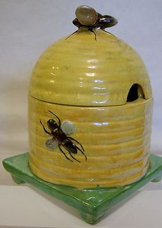 W & R Carlton Ware 'Bee' Honey Pot - 1930s