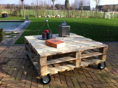 Pallet table on wheels!