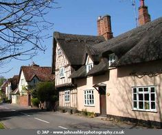 Chelsworth - a quaint Suffolk village Travel English, Suffolk England, Pink Houses, Yesterday And Today, Vintage Pictures, Cottages, Countryside, Britain, Roots
