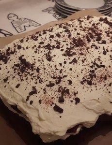 Chokolade lasagne | Urban Mad Dessert Table, Chocolate Cake, Cake Recipes, Ice Cream, Sweets, Bread, Candy, Snacks, Baking
