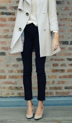 Classic trench, skinnies and nude pumps.