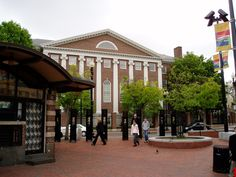 Life Science Center Creates Thriving Market in Boston Harvard Yale, Harvard Square, Boston University, Harvard University, Design Thinking, Great Places, Places Ive Been, Harvard Students, College Campus