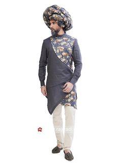 New style Indo Western sherwani design for male Mens Indian Wear, Mens Ethnic Wear, Indian Groom Wear, Indian Men Fashion, Kurta Pajama Men, Kurta Men, Mens Sherwani, Wedding Sherwani, Kurtha Designs