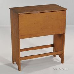 Shaker Painted Pine Tailor's Box - Price Estimate: $600 - $800