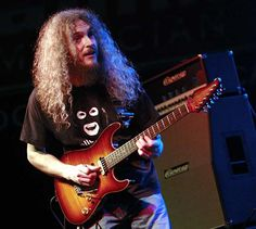 Video of Guthrie Govan Playing Full Gig With Charvel Guitar