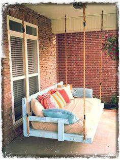 diy lovely pallet porch swing idea www.decorhomeidea… diy lovely pallet porch swing idea www. Porch Swing Pallet, Pallet Swings, Porch Swings, Yard Swing, Diy Swing, Rope Swing, Palette Deco, Diy Porch, Pallet Furniture