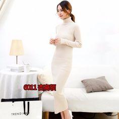 Длинное женское трикотажное платье Сылка: http://ali.pub/0qhof Платье имеет текстуру рубчика, очень хорошо тянется.  Оно очень теплое, уютное, очень комфортное для зимнего времени.  Высокий воротник, как у хорошей такой водолазки, также добавляет тепла.  Внутренние швы очень аккуратные.